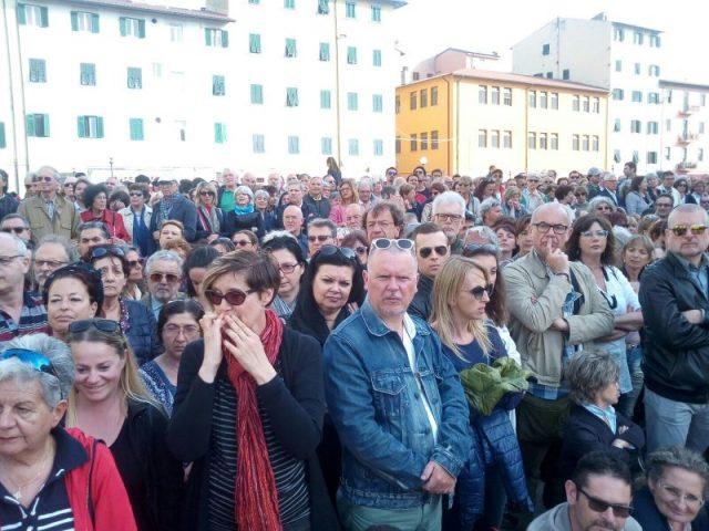 tantissima gente alla inaugurazione
