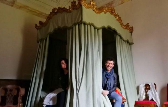 La Certosa apre le porte allo spettacolo di Renato Raimo ed Isabella Turso, SPogliati nel tempo.
