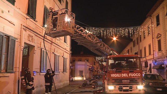 incendio via di Salviano a Livorno