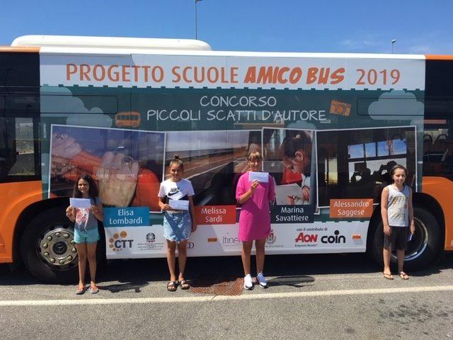 Piccoli scatti d'autore sull'autobus a Livorno