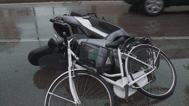 Nuovo incidente; scontro motorino-bici