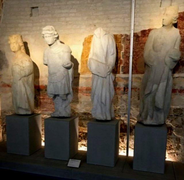statue classicità opera duomo pisa