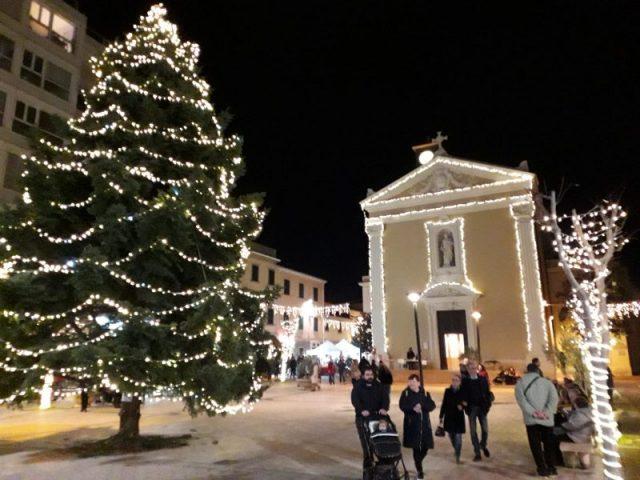 Piazza Centrale Cecina Natale