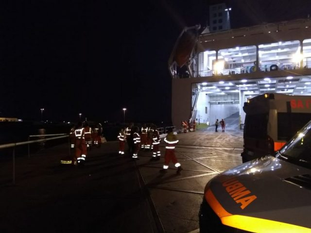 fuga in mare al porto di Livorno