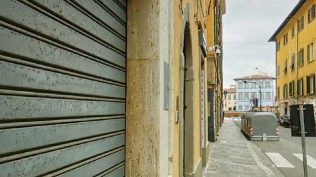 Chiudono attività a Pisa