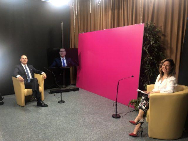 Sandro Vannini con la conduttrice Valeria Tognotti