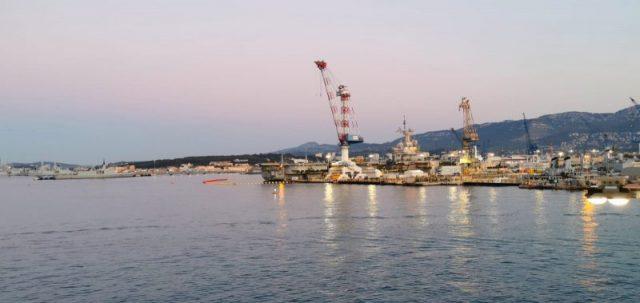 Med New Job: il porto di Tolone all'alba